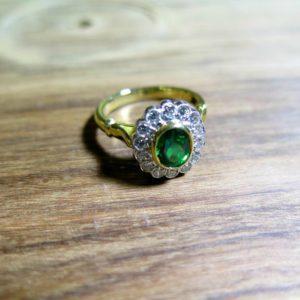 2015-10-27_18ct_yg_wg_diamond_emerald_cluster_ring