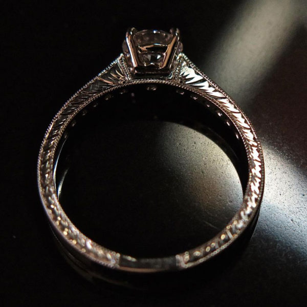 2015-10-27_Diamond_engagement_ring_with_engraving