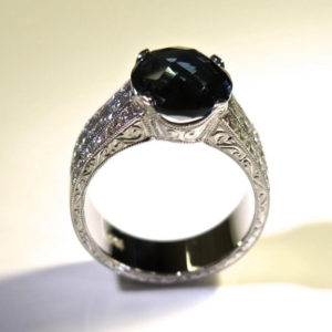 2015-10-28_London_Blue_topaz_diamond_ring_with_engraving