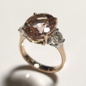 2015-10-28_Pink_morganite_diamond_ring