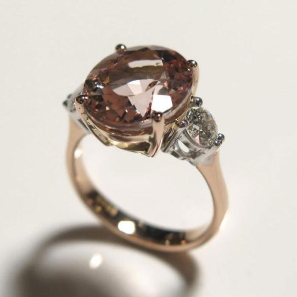 2015-10-28_Pink_morganite_diamond_ring