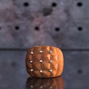 2015-11-06_wood_silver_balls