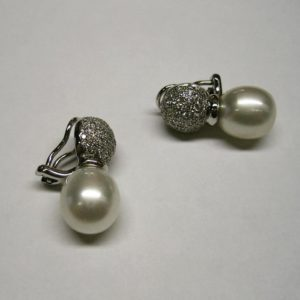Pearl earrings (Cute pearl amd diamond earrings)