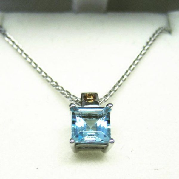 Skyblue topaz pendant (elegant smokey quartz and square topaz pendant)